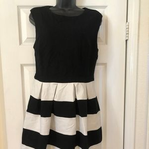 New Forever 21 Black and White striped Dress, Sz L